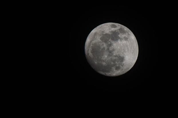 2014年3月15日的月亮